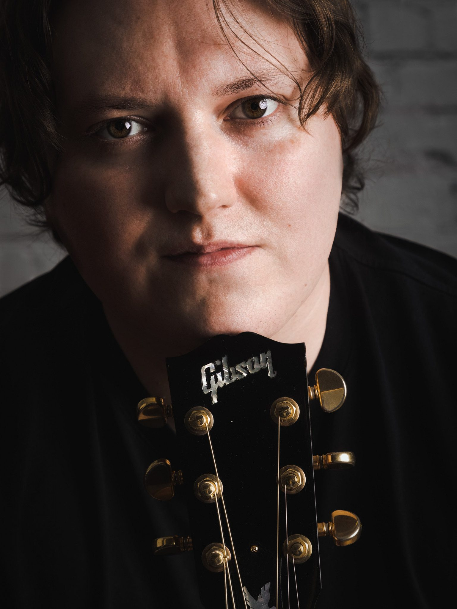 entertainer promotional images liverpool guitar